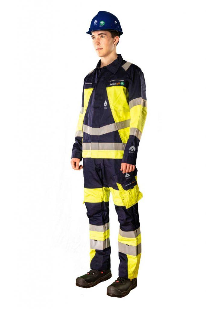 Augel-Kleidung-links-vorne