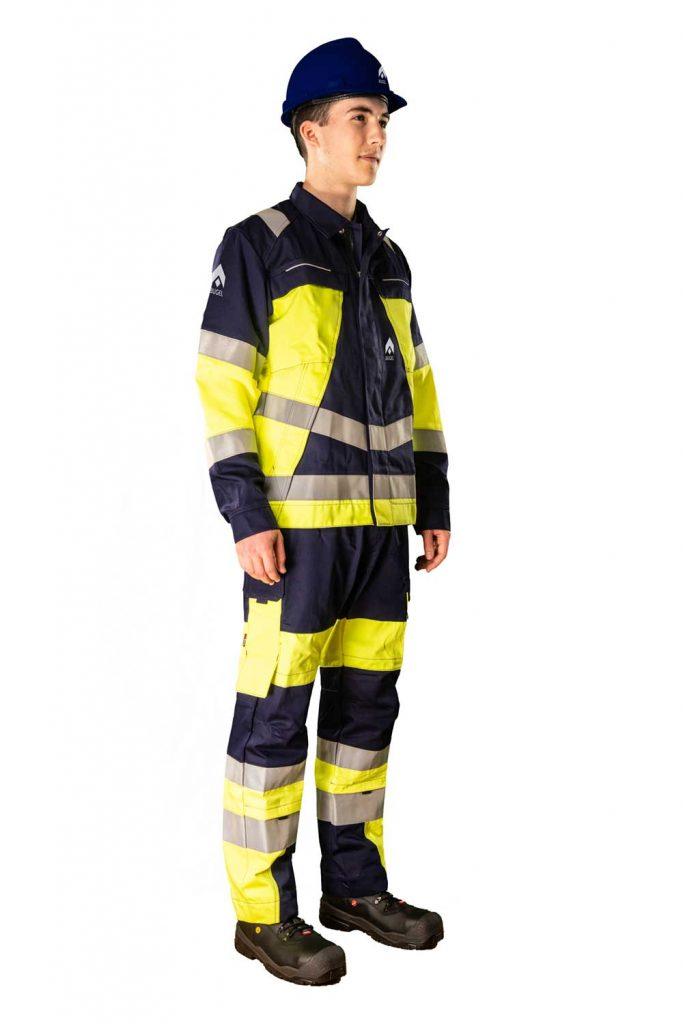 Augel-Kleidung-vorne-rechts-komplett
